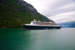Navigation im Fjord Lizenzfreie Stockfotos