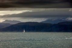 Navigation outre de l'île Mull Image stock