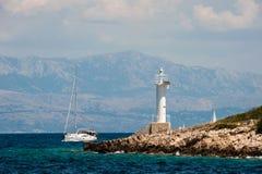 Navigation parmi les îles de la Croatie image libre de droits