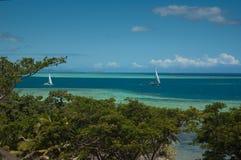 Navigation parmi les récifs Images libres de droits