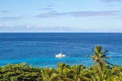Navigation sur la mer des Caraïbes image stock