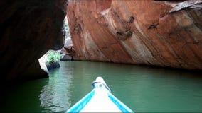 Navigation sur le canyon de rivière de San Francisco, Sergipe, Brésil banque de vidéos