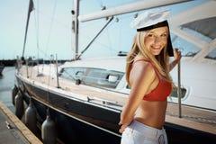 Navigation sur le yacht Image stock