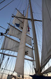 Navigation sur un bateau de tondeuse Image stock