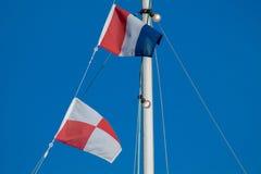 Navigations- signalflaggor arkivbilder