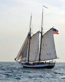 Navigazione alta della nave Immagini Stock