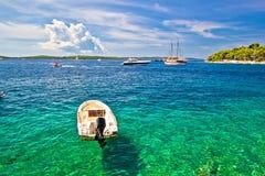 Navigazione da diporto delle isole di Paklinski e destinazione famose di navigazione fotografie stock