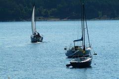 Navigazione da diporto sul lago Fotografia Stock Libera da Diritti