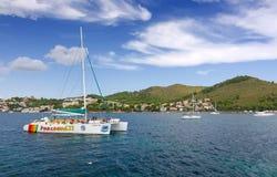 Navigazione del catamarano Immagine Stock Libera da Diritti