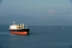 Navigazione dell'autocisterna nel mare Fotografia Stock