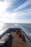 Navigazione dell'imbarcazione del rifornimento in tempo calmo Immagine Stock Libera da Diritti