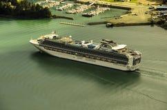 Navigazione della nave di crociere di principessa da Juneu Alaska Fotografia Stock Libera da Diritti