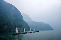 Navigazione di Zixi della catena della bocca della gola di Hubei Badong il fiume Chang Jiang Wu Fotografia Stock Libera da Diritti