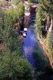 Navigazione generica lungo il fiume cileno Immagini Stock