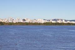Navigera på Guabia sjön Arkivbild