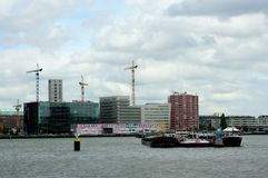 Navigering i porten av Rotterdam Arkivbild