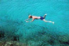 Naviguer au schnorchel en Chypre Photo libre de droits