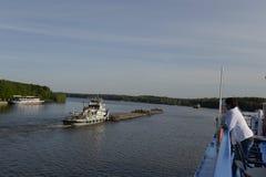 Navio Alexander Suvorov Amarrado na cidade do porto fluvial de Nizhny Novgorod um cruzeiro do rio no Rio Volga Rússia Em junho de Foto de Stock