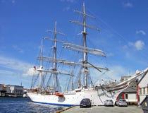 Navio alto Statsraad Lehmkuhl em Bergen (Noruega) imagem de stock