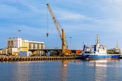 Navio amarrado no porto de Kalmar Imagem de Stock