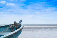 Navio ao longo da praia Foto de Stock