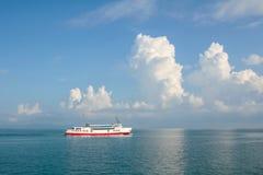 Navio da balsa no mar Imagens de Stock