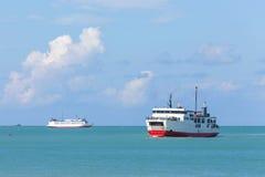 Navio da balsa no mar Imagem de Stock