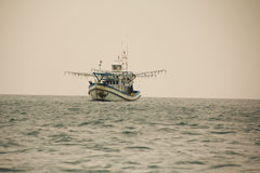 Navio da pesca de Tailândia Imagem de Stock Royalty Free