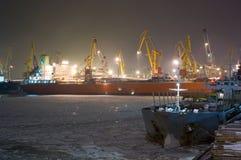 Navio de carga amarrado Imagens de Stock Royalty Free