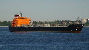 Navio de carga do petroleiro de óleo Foto de Stock Royalty Free