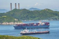 Navio de carga e petroleiro de óleo Imagem de Stock