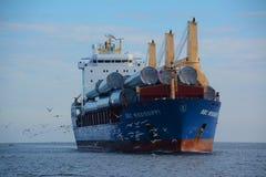 Navio de carga em Duluth fotos de stock