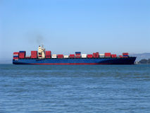 Navio de carga em San Francisco Bay Imagens de Stock Royalty Free
