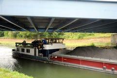 Navio de carga no canal Fotografia de Stock