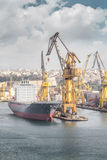 Navio de carga no porto, Valletta, Malta Imagem de Stock