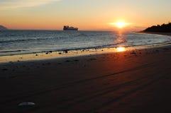 Navio de carga no rio de Colômbia Foto de Stock Royalty Free