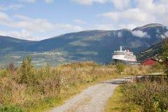 Navio de cruzeiros amarrado Imagem de Stock Royalty Free