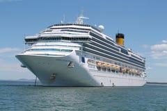 Navio de cruzeiros ancorado em Punta Del Este, Uruguai Imagens de Stock Royalty Free