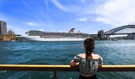 Navio de cruzeiros da legenda do carnaval imagens de stock royalty free