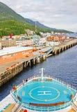 Navio de cruzeiros de Alaska em Ketchikan imagens de stock royalty free