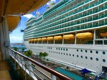 Navio de cruzeiros do Cararibe real fotografia de stock royalty free