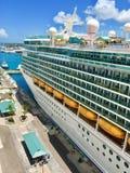 Navio de cruzeiros do Cararibe real imagens de stock royalty free
