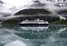 Navio de cruzeiros em Alaska Imagens de Stock