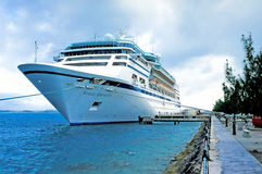 Navio de cruzeiros em Bernuda Fotografia de Stock Royalty Free