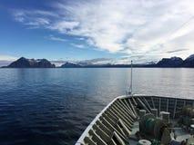 Navio de cruzeiros em Noruega do norte Imagens de Stock