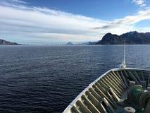 Navio de cruzeiros em Noruega do norte Foto de Stock