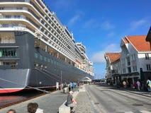 Navio de cruzeiros em Stavanger Foto de Stock Royalty Free