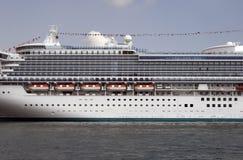Navio de cruzeiros em Sydney imagem de stock royalty free