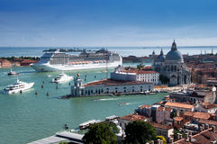 Navio de cruzeiros em Veneza Foto de Stock Royalty Free