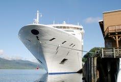 Navio de cruzeiros entrado Imagens de Stock Royalty Free